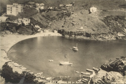 Vista de la playa de Portbou.
